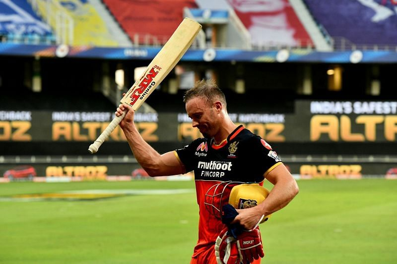 AB de Villiers secured RCB's win with an unbeaten 55* (22)