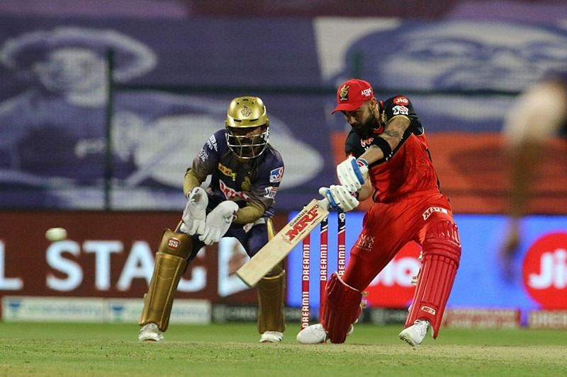 Not much apart physically, but miles apart in performance - KKR and RCB. [PC: iplt20.com]