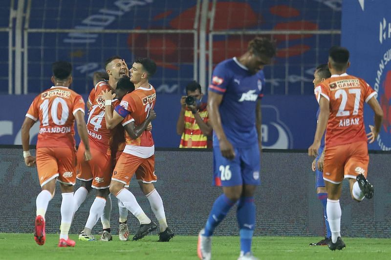FC Goa celebrate after scoring the equalizer in the 69th minute (Image courtesy: ISL)