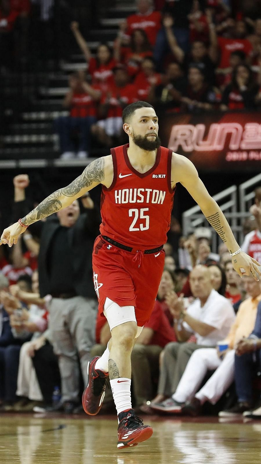 Nba Trade Rumors New York Knicks Now Negotiating With The Houston Rockets To Acquire Austin Rivers In A Sign And Trade