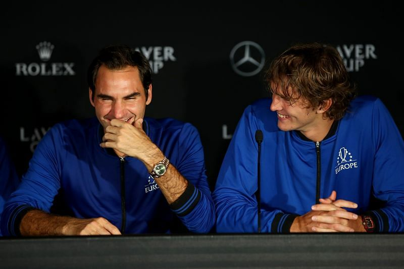 Roger Federer (L) and Alexander Zverev
