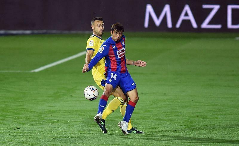 SD Eibar midfielder Takashi Inui