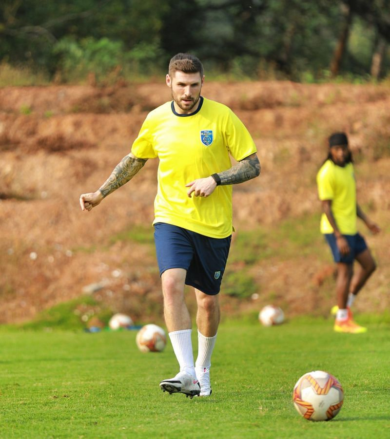 Gary Hooper training with KBFC. (Image Courtesy: Twitter/@KeralaBlasters)