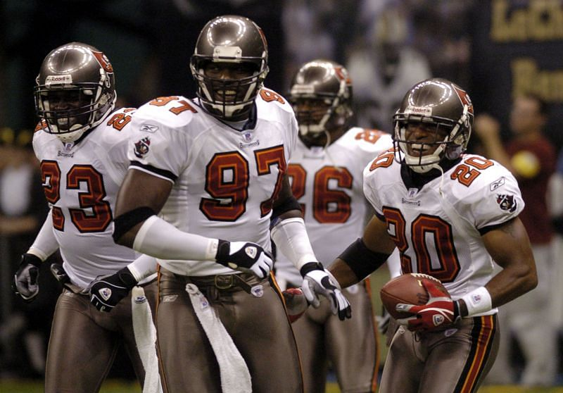 Ronde Barber (#20) with the Tampa Bay Buccaneers