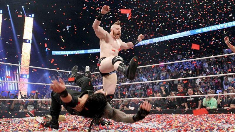 रोमन रेंस पहली बार WWE चैंपियन सिर्फ कुछ मिनटों तक ही रह पाए थे और उन्हें अपनी चैंपियनशिप गंवानी पड़ गई थी