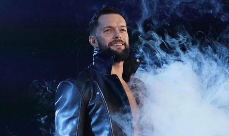 फिन बैलर सहित कई WWE सुपरस्टार्स लंबे वक्त से रेसलिंग करते हुए आ रहे हैं।