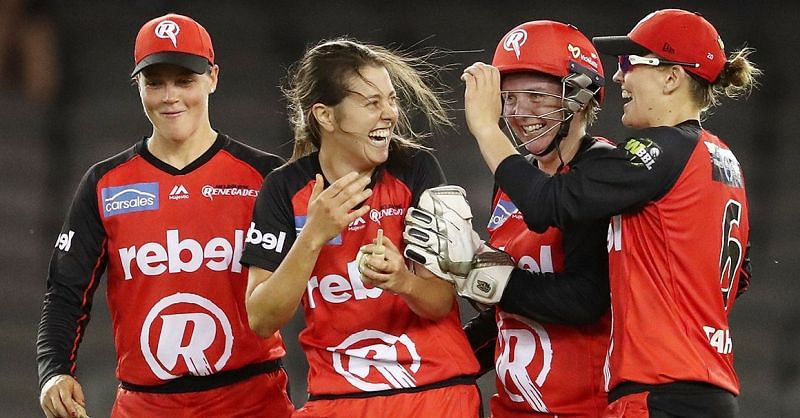 Molly Strano celebrates a wicket with her teammates (Image: melbournerenegades.com.au)