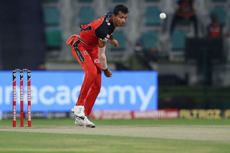 Aakash Chopra believes that RCB need to strengthen their pace bowling attack. [P/C: iplt20.com]
