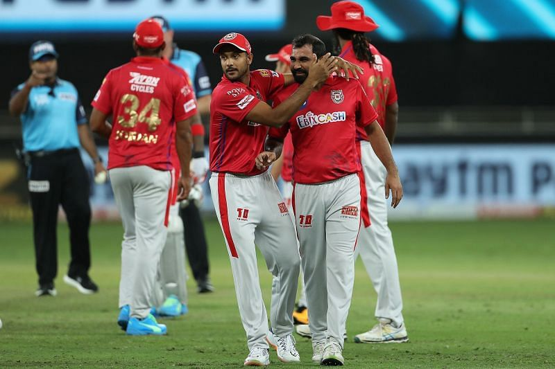 Mohammed Shami celebrating with his teammates after KXIP beat MI (Credits: IPLT20.com)