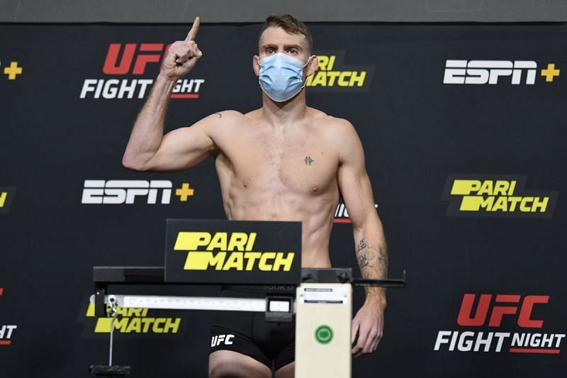 Paul Felder successfully weighs in at lightweight