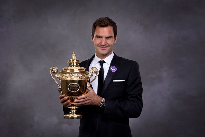 Roger Federer with his 2017 Wimbledon title