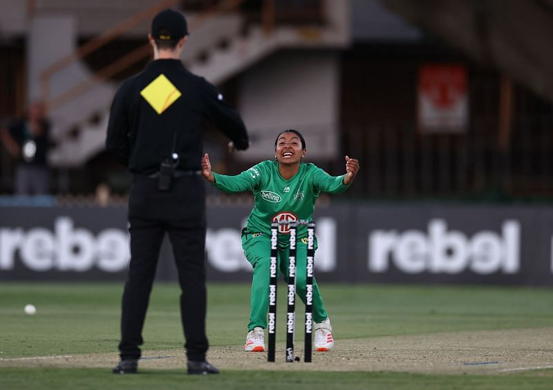 Alana King in action for the Melbourne Stars
