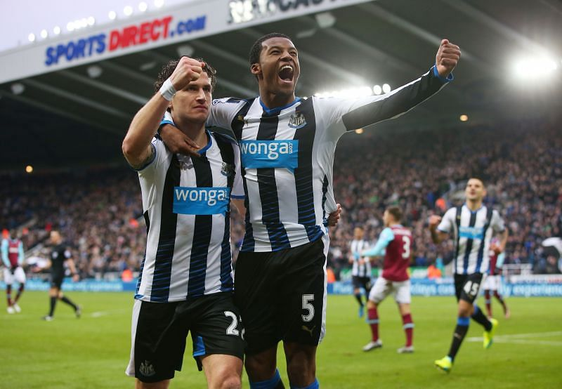 Wijnaldum and Janmaat played together at Newcastle United.