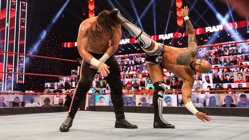 रिकोशे ने टकर को सिंगल्स मैच में हराया
