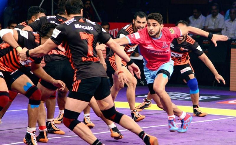 Ajay Kumar won the Emerging Player of the Season award back in PKL 4.