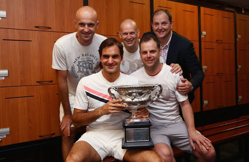 (L-R clockwise) Ivan Ljubicic, Daniel Troxler, Tony Godsick, Severin Luthi, and Roger Federer