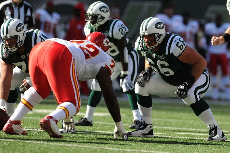 Alan Faneca (#66) with the New York Jets