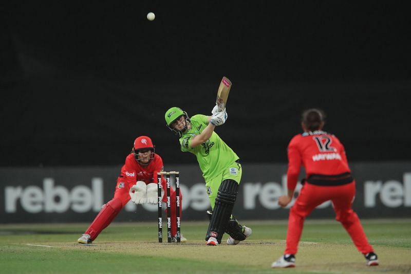 Heather Knight in action for the Sydney Thunder.