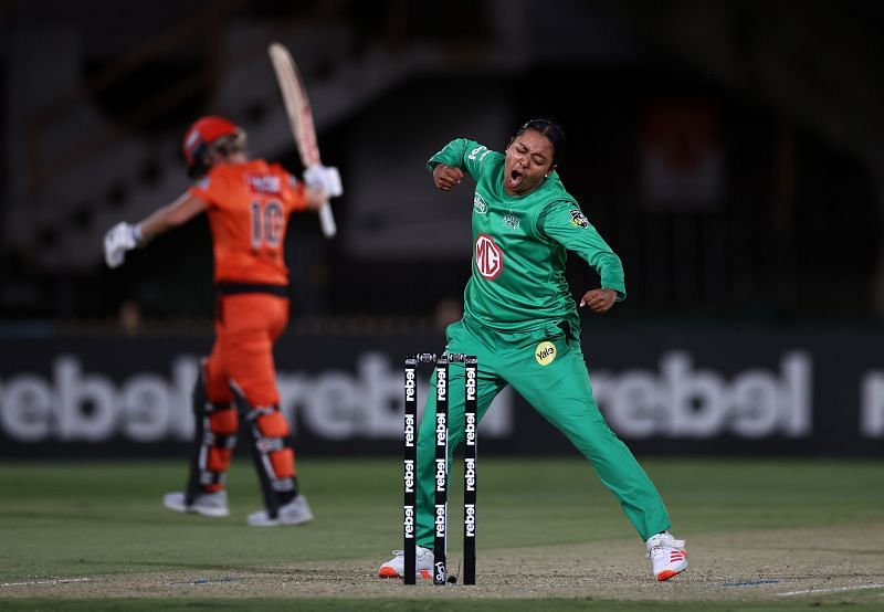Alana King in action for the Melbourne Stars in WBBL 2020