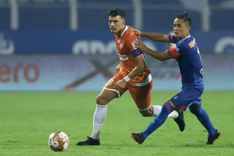 Edu Bedia (L) orchestrated everything FC Goa did in attack (Credits: ISL)