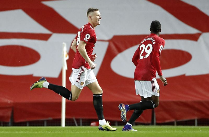 Manchester United hit Leeds United for six