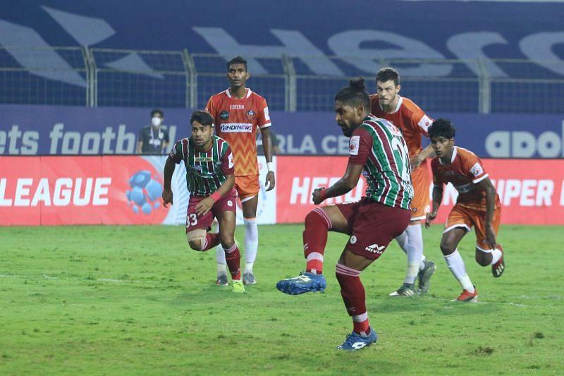 Mohammad Nawaz had no chance of saving a superbly-taken spot kick from Roy Krishna. Courtesy: ISL