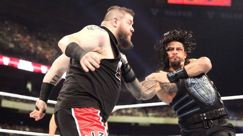Kevin Owens and Roman Reigns at Royal Rumble 2017