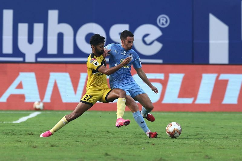 Action from the Mumbai City FC vs Hyderabad FC game (Image Courtesy: ISL)