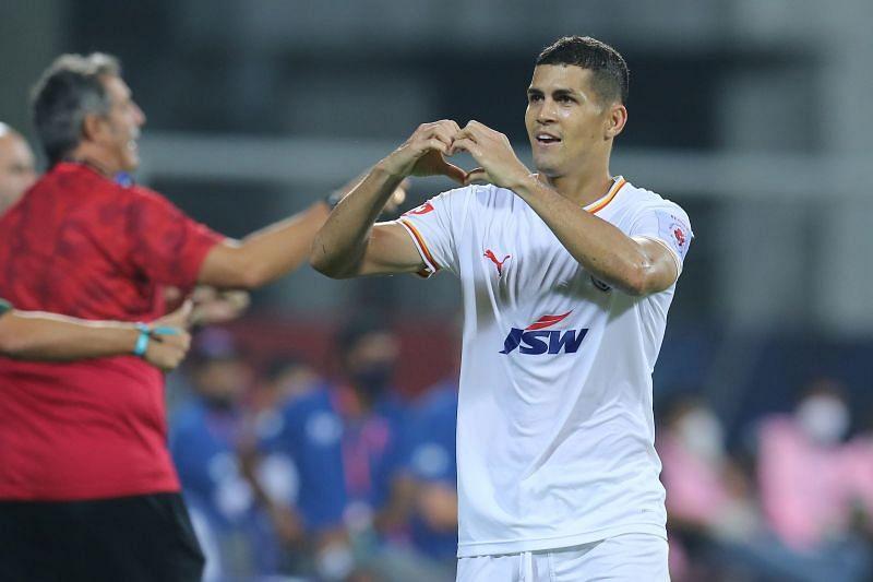 Cleiton Silva celebrates his winning goal (Image courtesy: ISL)