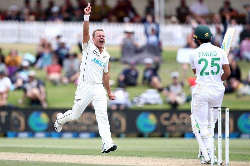 Neil Wagner bowled 11 overs on a trot with two broken toes