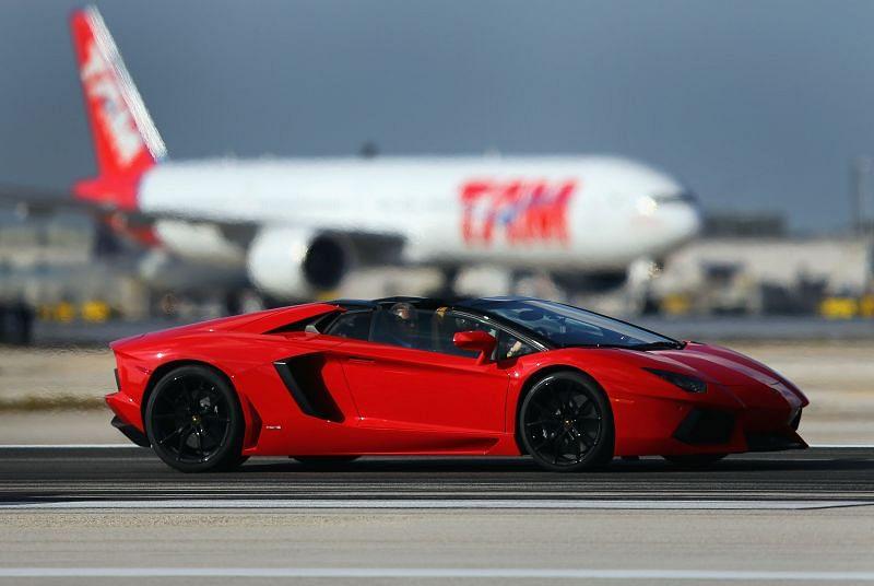 Lamborghini Roadster Debuted On Miami International Airport's Runway