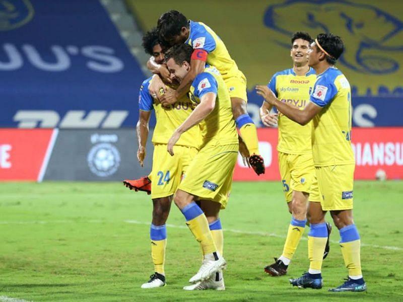 केरला ब्लास्टर्स ने हैदराबाद एफसी को 2-0 से मात दी
