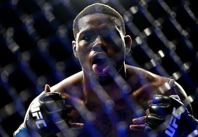 Kevin Holland knocks out Ronaldo 'Jacare' Souza at UFC 256