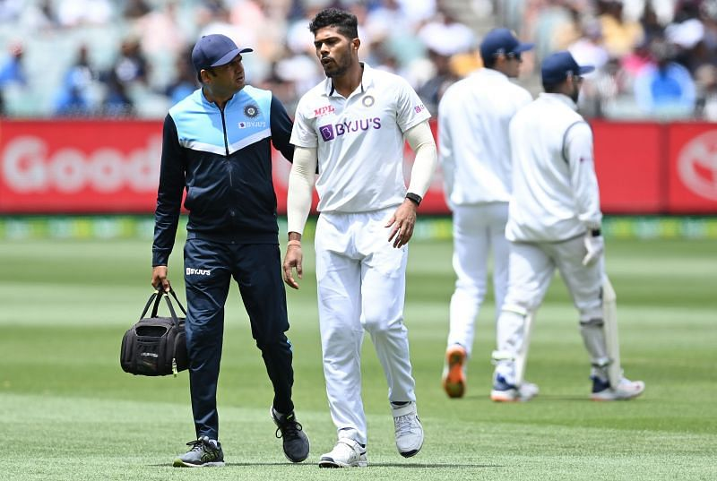 Umesh Yadav limped off the field in the 8th over