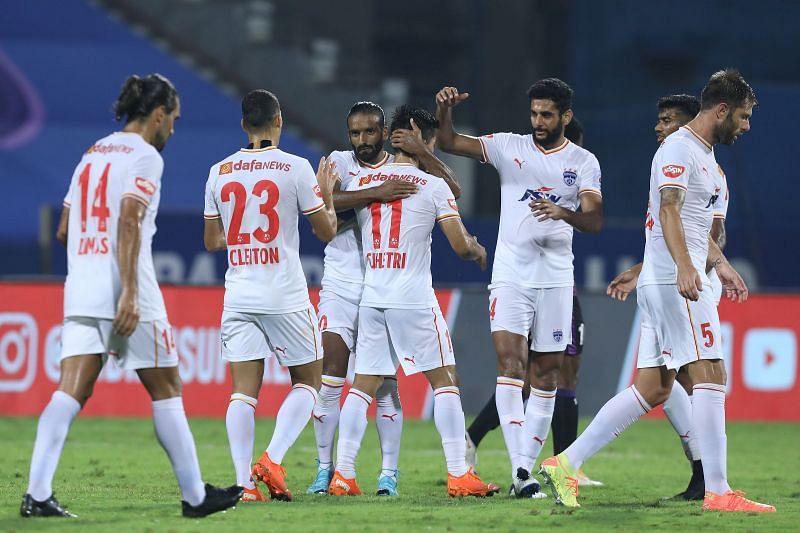 Bengaluru FC players during an ISL 2020-21 match (Image Courtesy: ISL Media)