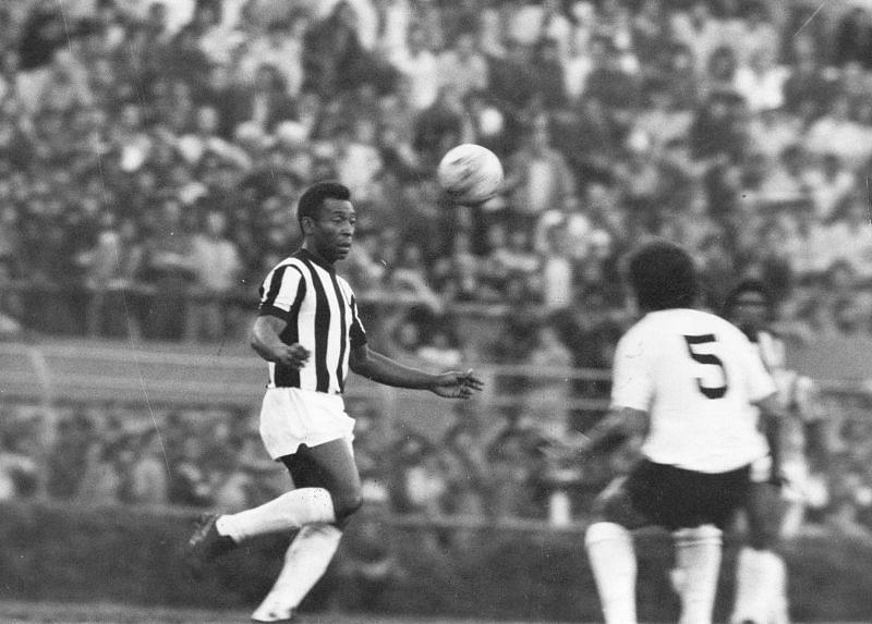 Santos now claim Pele has scored 1,091 goals
