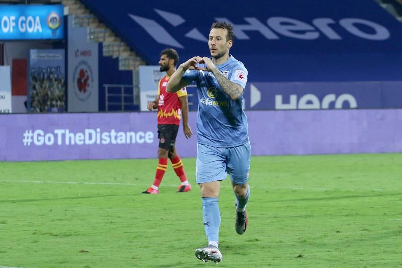Adam le Fondre is among the favorites for the Golden Boot (ISL Media)