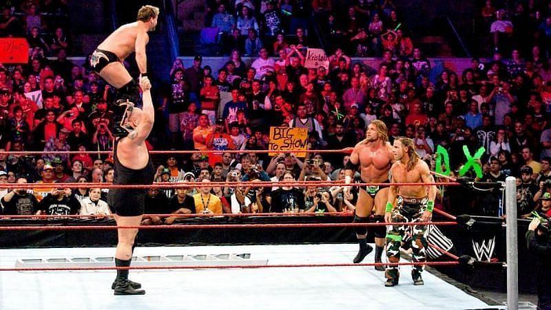 WWE के कई दिग्गज सुपरस्टार्स TLC मैच में हिस्सा ले चुके हैं