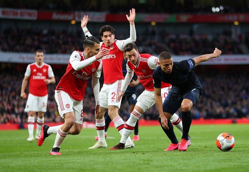 Arsenal play Everton today