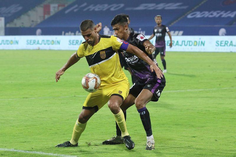 Hyderabad FC captain Aridane Santana in action at the ISL 2020-21 (Image courtesy: ISL)
