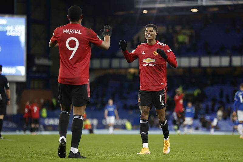 Manchester United defeated Everton 2-0