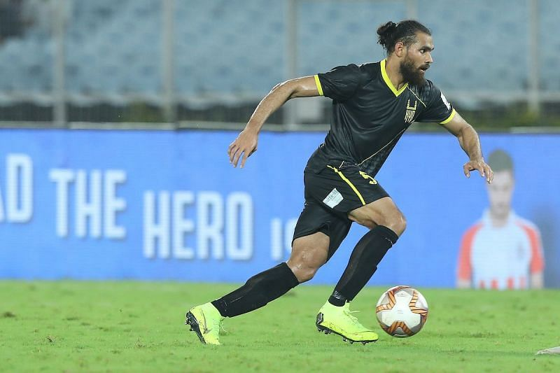 Adil Khan in action for Hyderabad FC last season (Image Courtesy: ISL Media)