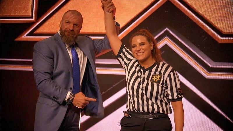 जेसिका कार और साथ में दिग्गज WWE सुपरस्टार ट्रिपल एच