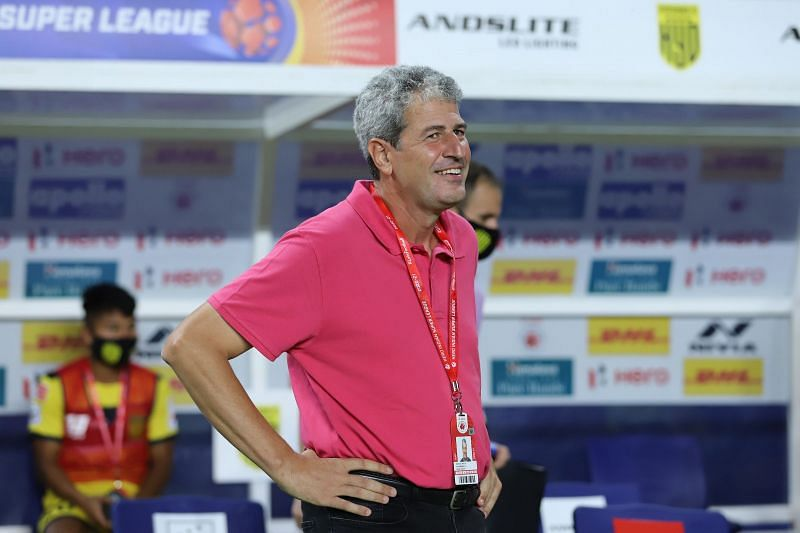Hyderabad FC coach Manuel Roca was distraught with his substitutions after loss to FC Goa (Image Courtesy: ISL Media)