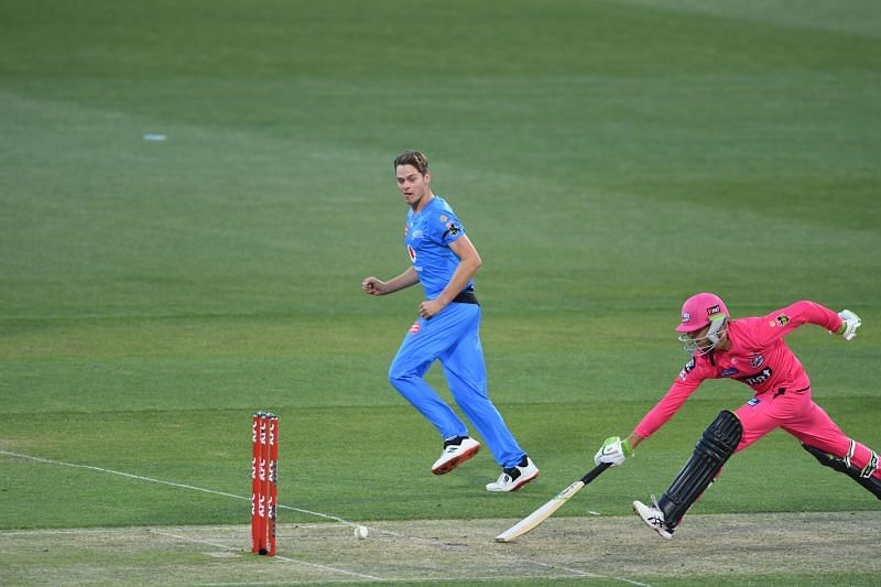Action from BBL 2020-21 match between Sydney Sixers & Adelaide Strikers