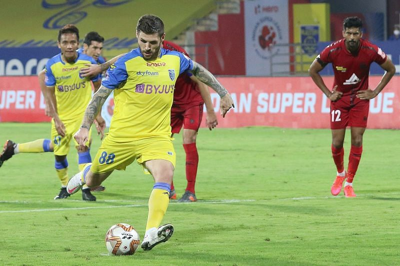 Gary Hooper has only one goal this season, and that too from the penalty spot (Courtesy: ISL)