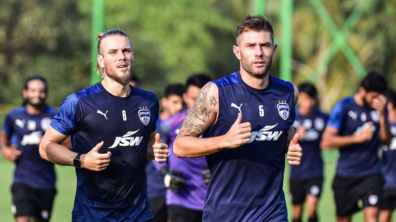 Bengaluru FC players Erik Paartalu (L) and Juanan (Image courtesy: ISL)