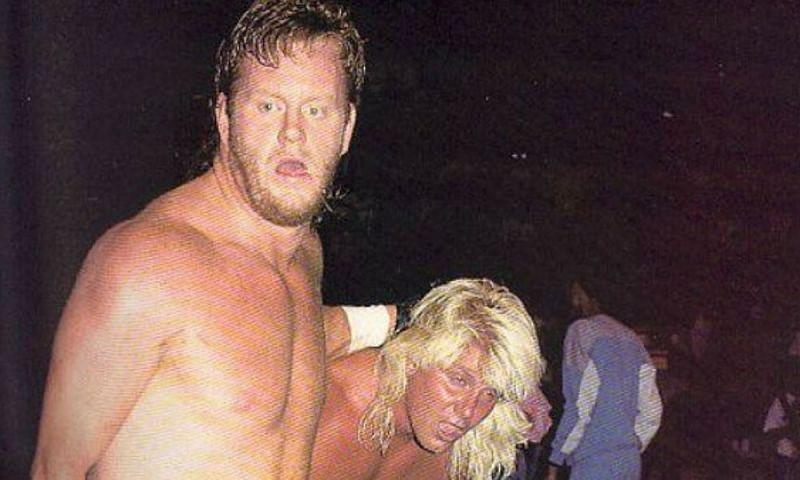 Undertaker y Sting lucharon fuera de WWE