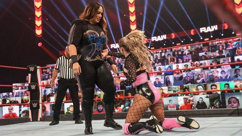 Lana vs Nia Jax on WWE RAW
