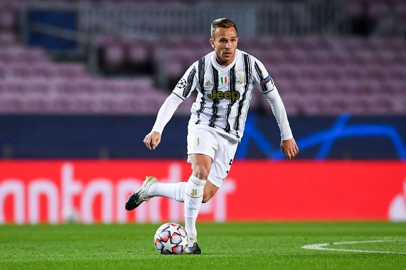 Arthur in action for Juventus